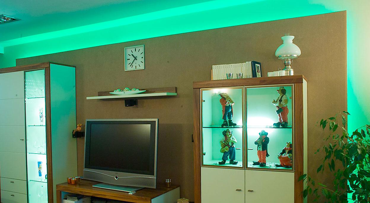 Ambientes Licht, passend zur Raumgestaltung. Inklusive moderner Steuerung.