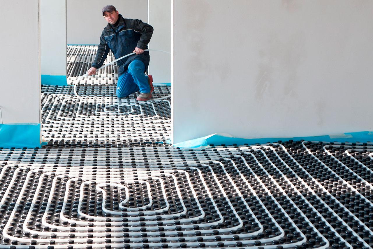 Installation von Fußbodenheizungen